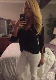 Lara blondy